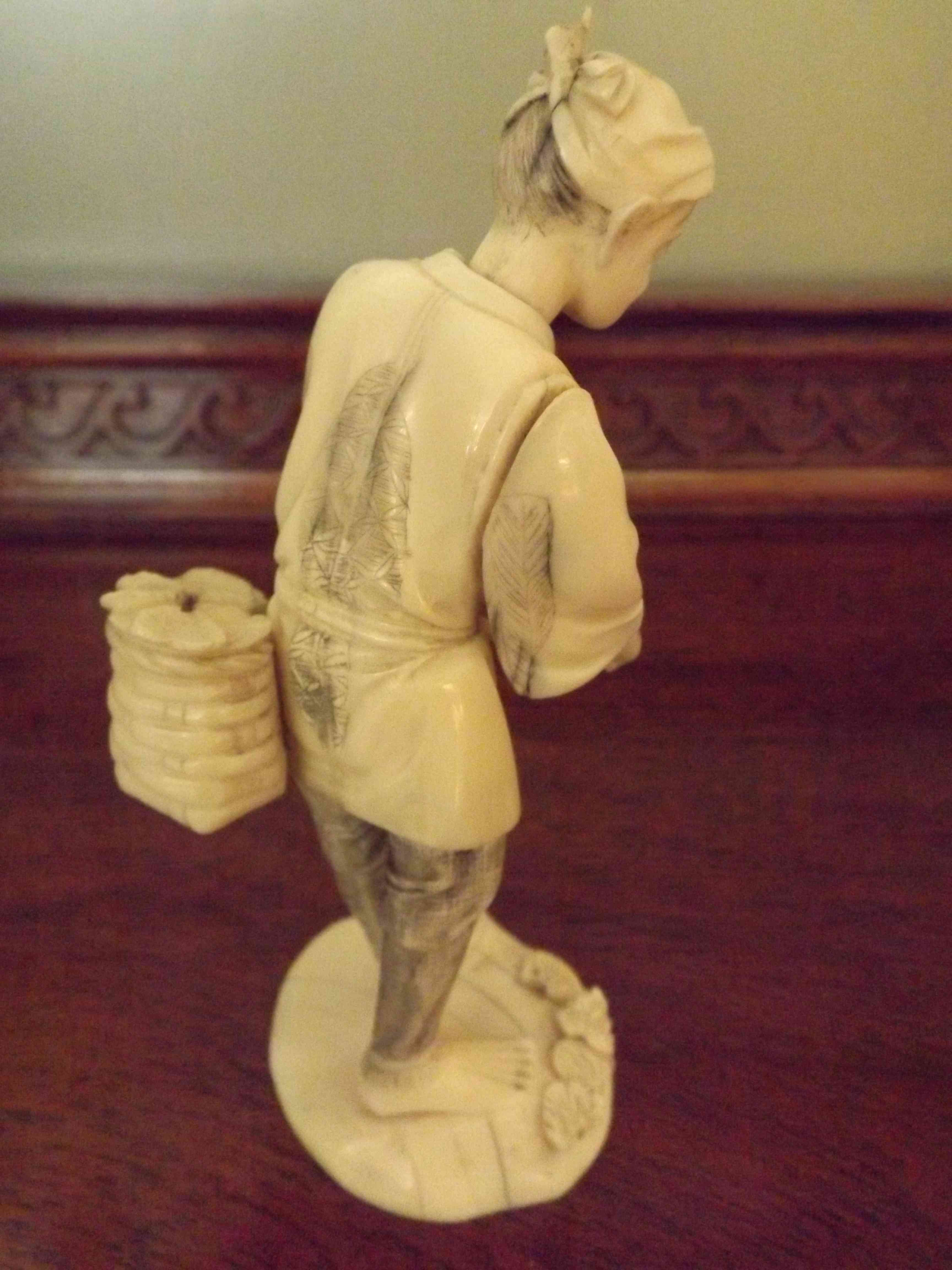 IVORY & BONE CARVING