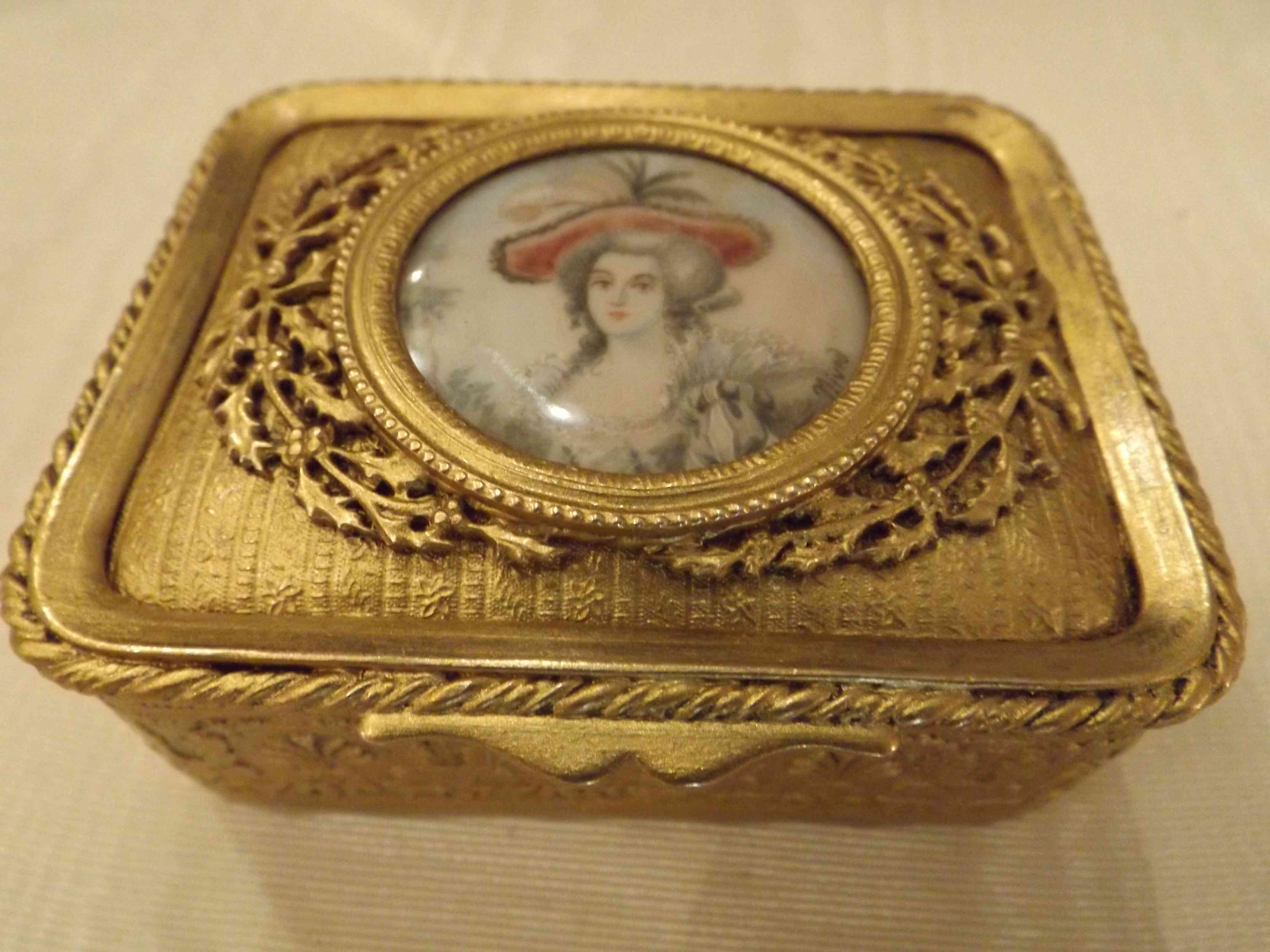 ORMOLU CASKETS & BOXES